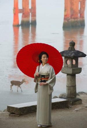 Itsukushima Shrine and kimono